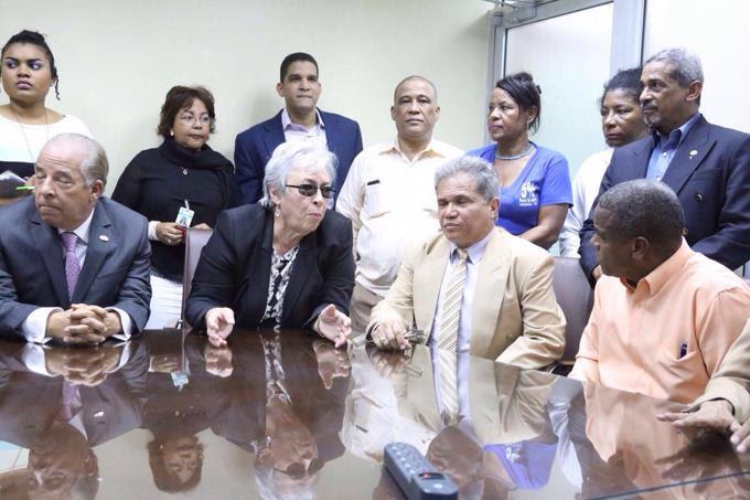 Colegio Médico deja sin efecto convocatoria huelga hospitales