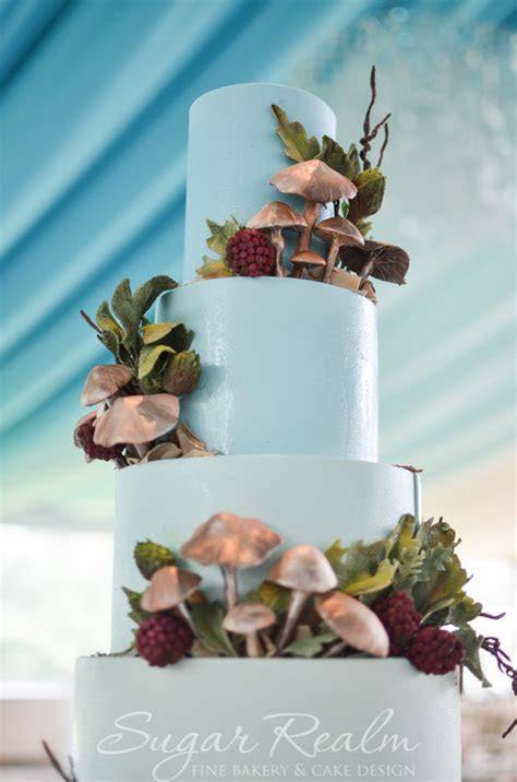 Woodlands And Outdoors Wedding cake   Life in a Sugar Kingdom