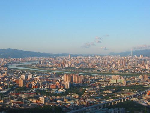 大同山眺望台北盆地