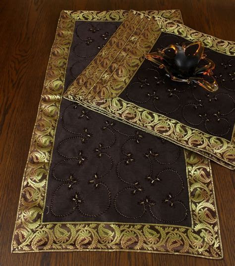 Hand Embroidered Table Placemat Set, Set of 5   Banarsi