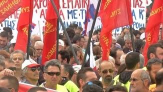 A Atenes i Salònica s'han manifestat unes 15.000 persones