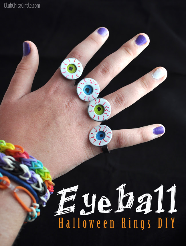 Eyeball nail polish painted ring for Halloween tutorial