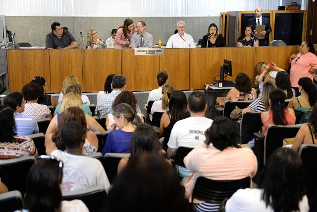 Audiência da Comissão de Educação, Ciência e Tecnologia foi acompanhada por diversos profissionais da educação