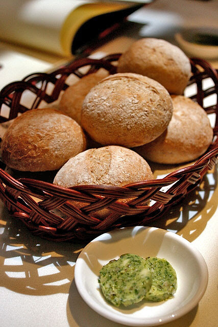 Bread rolls with homemade garlic butter