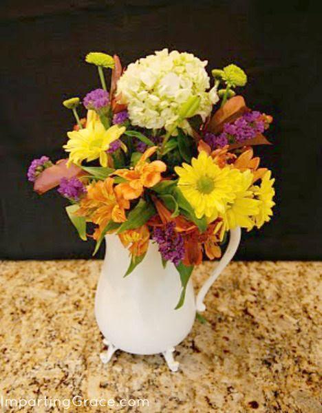 My Flower Arrangement Ideas: Coffee table Decor ...
