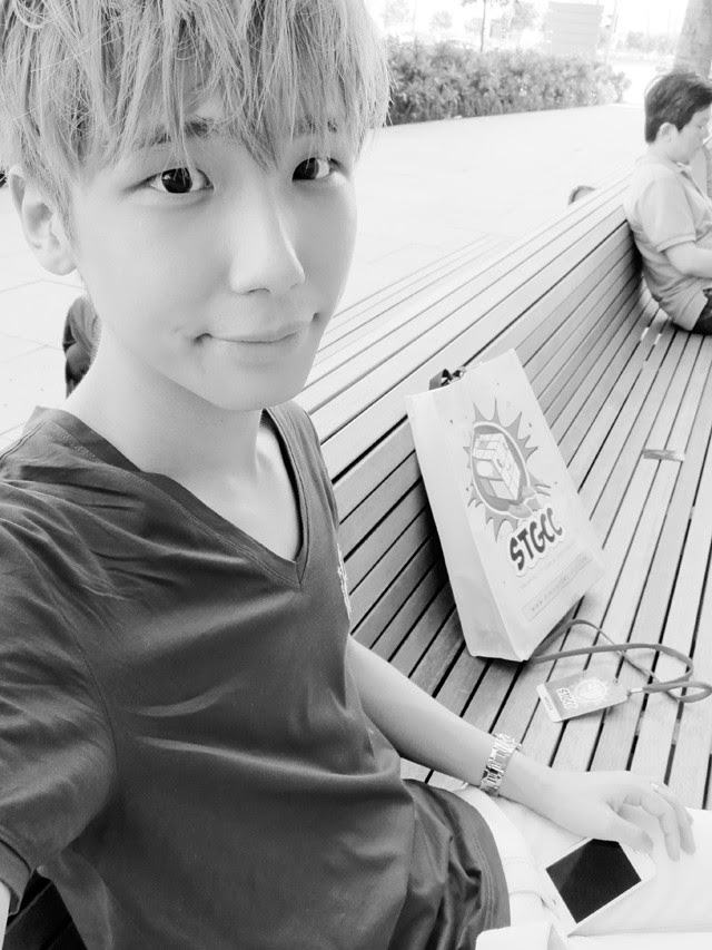 typicalben camwhore mbs black and white