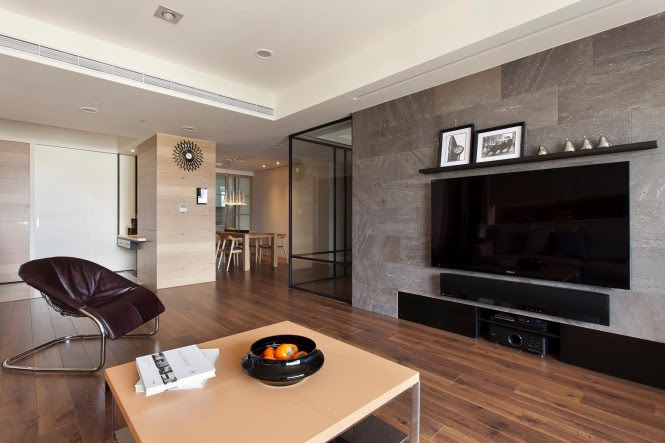 The sliding doors in this example provide a barrier around the home office area for times when total concentration is needed away from the hubbub of the rest of the family home.