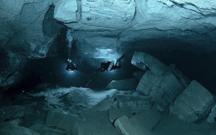 A maior caverna subaquática da Rússia 03