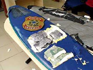 detenido por llevar cocaina en la tabla de surf