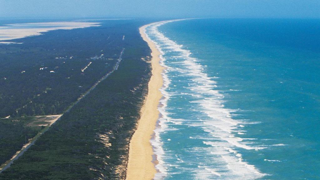A praia de 150 quilômetros de extensão, na Austrália 01