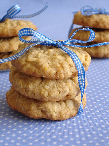 Hawaiian macadamia coconut cookies