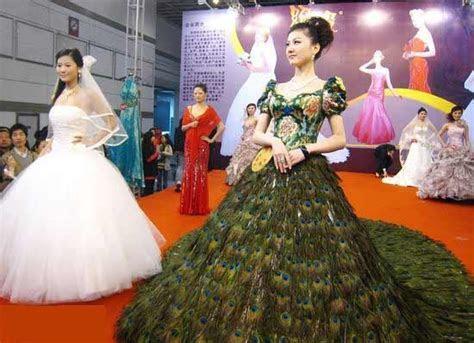 Coyea's blog: peacock wedding theme dresses For couples