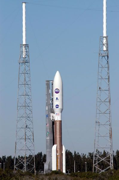 The Atlas V rocket carrying New Horizons sits atop its launch pad at Complex 41.