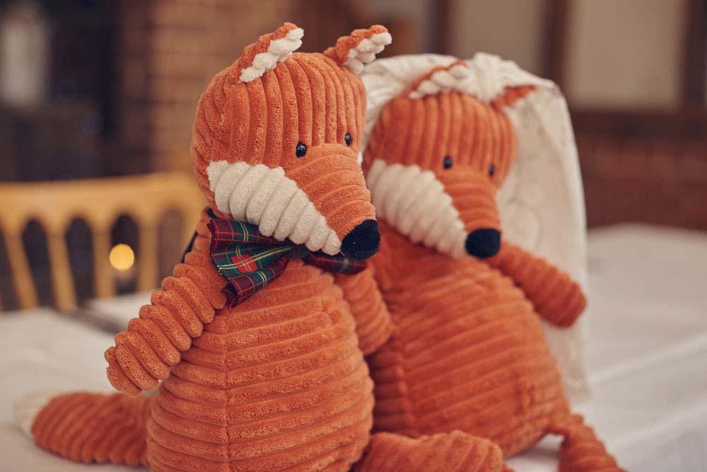 Fox themed wedding decorations, Suffolk - www.helloromance.co.uk