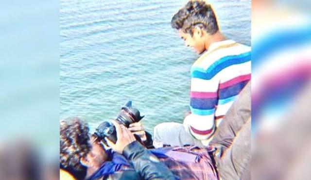 जब इरफान खान ने अपने बेटे बाबिल के लिए संभाला था कैमरा, वायरल हुई ये फोटो