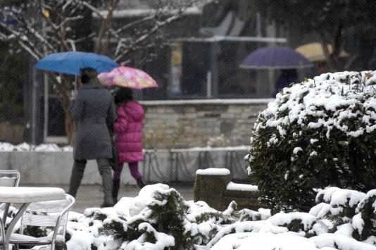 Σιβηρία γίναμε! Κρύο σε όλη τη χώρα και θυελλώδεις άνεμοι - Απαγορευτικό απόπλου από Πειραιά και Ραφήνα