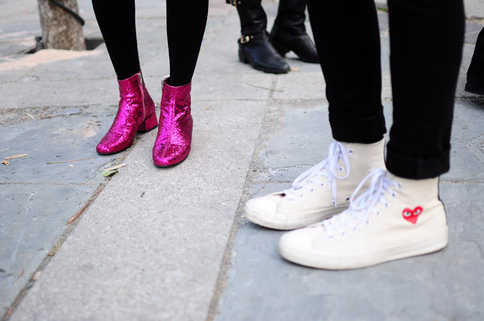 Resultado de imagen de glitter shoes street style