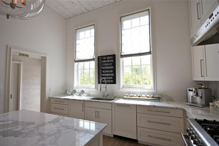 High Ceiling Kitchen - Cottage - kitchen - Beach Brights