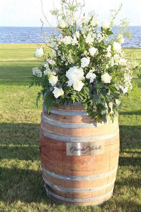 Wine barrel for wedding ceremony   Wedding photos