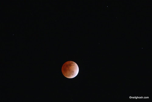 Totality - Total Lunar Eclipse 10 Dec 2011 Phase 3