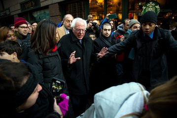 Clinton, Sanders Plans for Wall Street Offer Sharp Contrast
