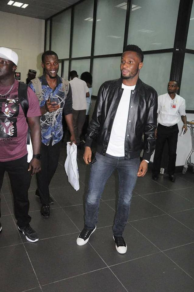 Mikel Obi, Iheanacho, Others Check Into Hotel As Zambian Squad Lands In Uyo (Pics)