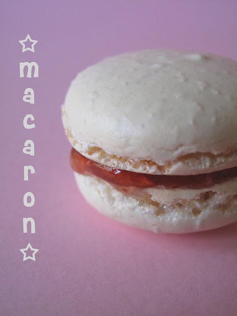 Macaron con gelatina di rose