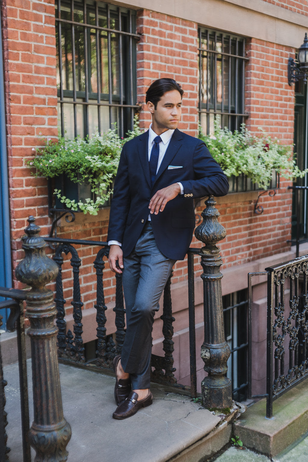 9 ways to wear a navy blazer  blue sportcoat outfit ideas