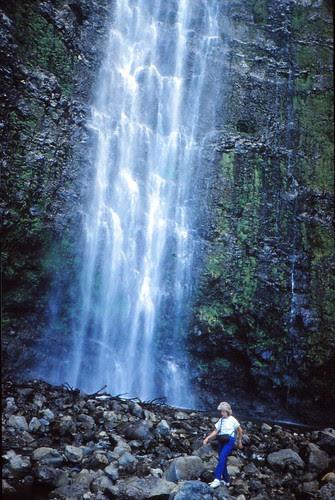 IMG_00844_Linda_at_Waimoku_Falls_Hana_Maui