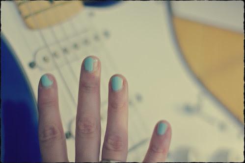 nail chips