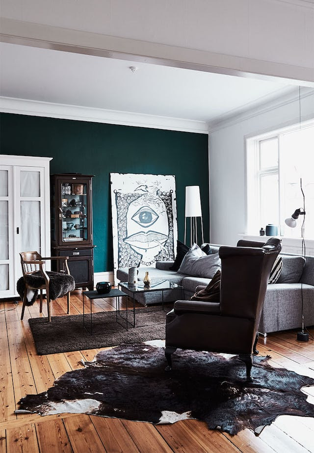 Stylish Home In Contrasting Colors And With A Personality ...