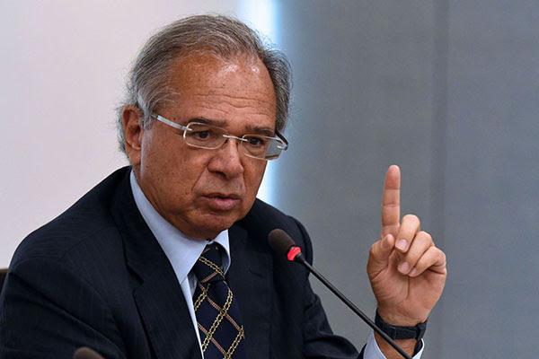 Paulo Guedes: ajuda será garantira enquanto a vacinação avança