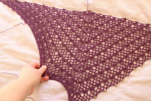 Holst Garn shawl - in progress
