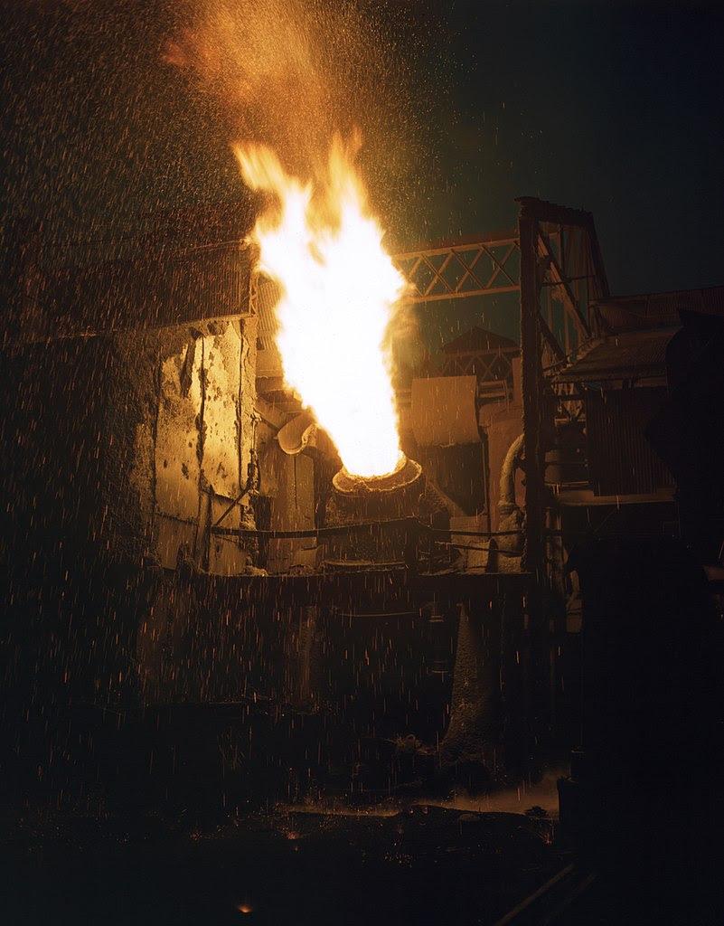 http://upload.wikimedia.org/wikipedia/commons/thumb/2/22/A_scene_in_a_steel_mill%2C_Republic_Steel%2C_Youngstown%2C_Ohio.jpg/801px-A_scene_in_a_steel_mill%2C_Republic_Steel%2C_Youngstown%2C_Ohio.jpg