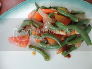 Green Beans and Tomato Saute with Caramelized Onions