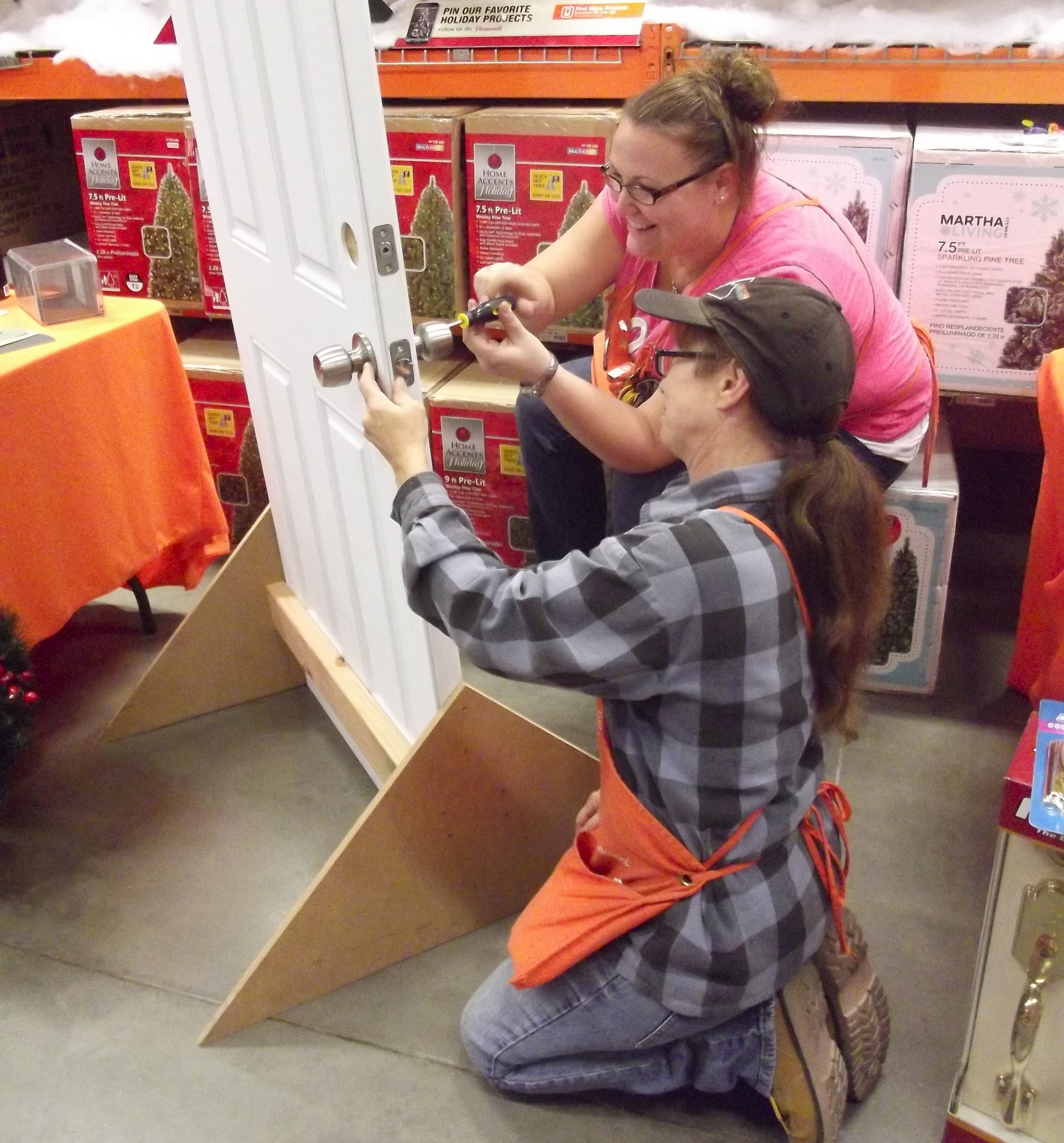 Home Depot offers Do It Herself classes for women