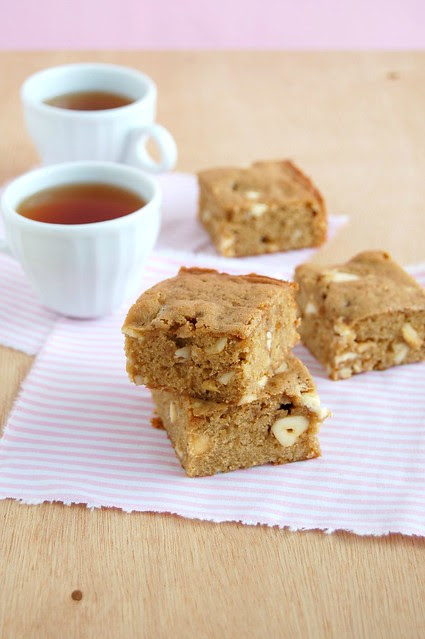 Cashew blondies / Blondies de castanha de caju