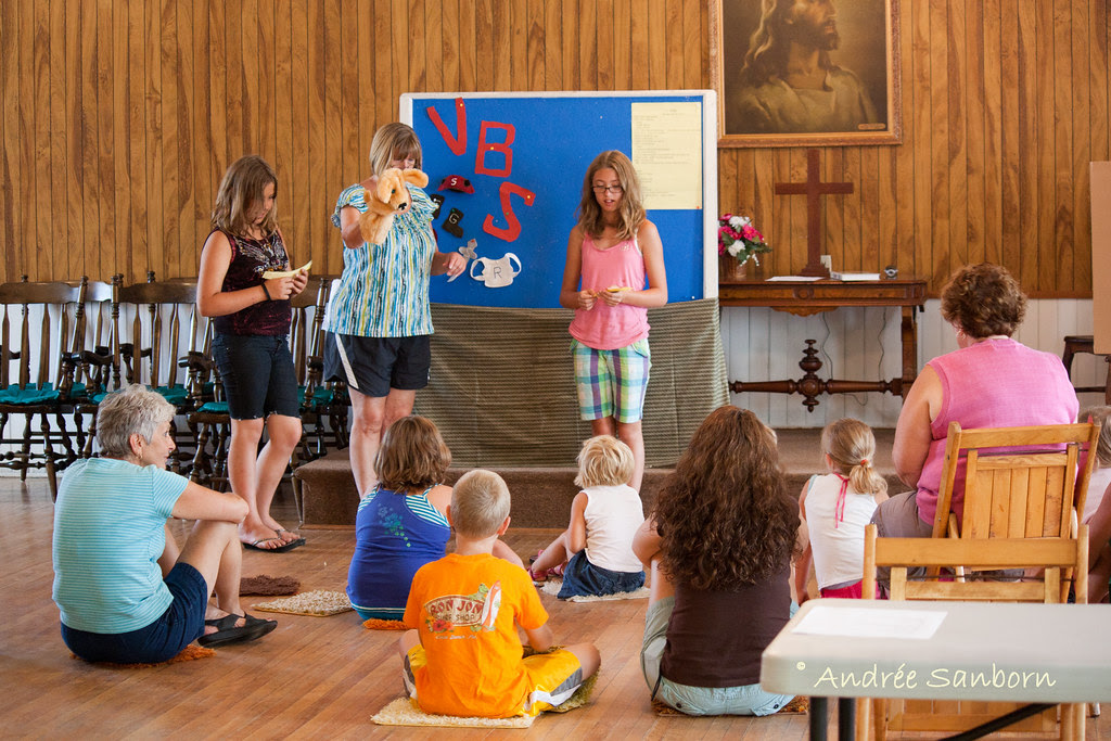 Barton United Church Vacation Bible School July 23, 2011-8.jpg