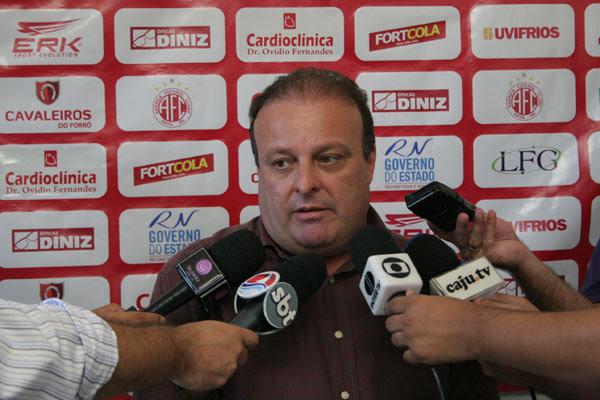 Paulinho Freire, vice de futebol, está confiante na recuperação