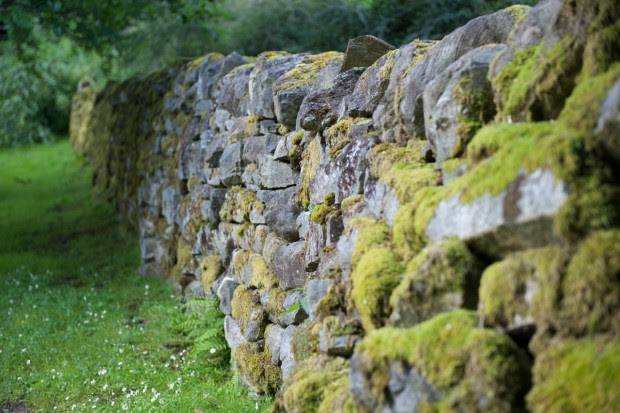 Build a Mortarless Stone Retaining Wall | Make: