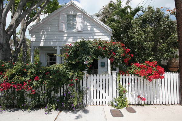 Front view of conch house at 923 Southard Street - Key West, Florida
