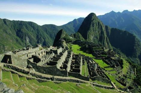 Vista aérea de la fortaleza inca del Machu Picchu en Cuzco. | El Mundo