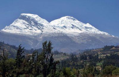 Géants des Andes : 6025 mètres Le Nevado Caraz
