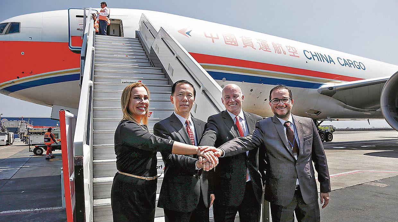 Salió el primer vuelo de Lima a Shanghái con productos frescos