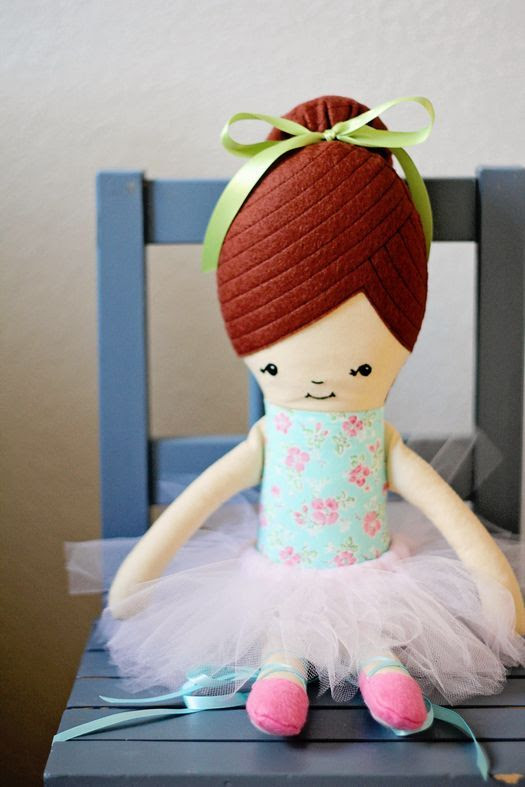 Retro Mama: Satin stitched doll eyes tutorial