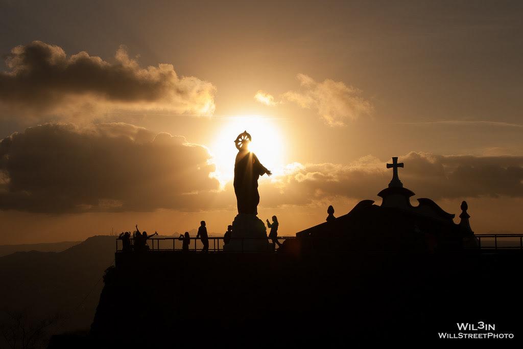 火山口的耶穌光