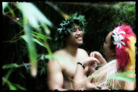 Hawaiian weddings   in the forest with riini and Terry