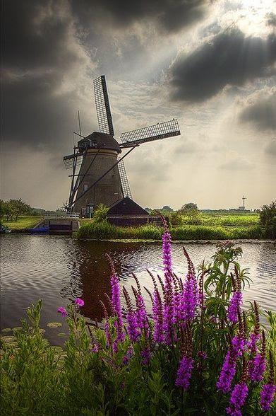 Windmill at Kinderdijk, Holland. By Dollia Sheombar.