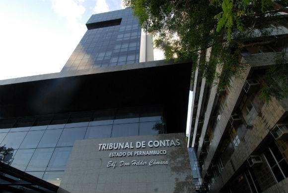Fachada do Tribunal de Contas do Estado. Foto: Guga Matos/JC Imagem.