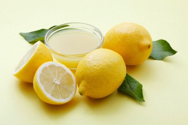 http://sistadiaspora.com/wp-content/uploads/2012/10/bienfaits-du-jus-de-citron-sista-diaspora.jpg